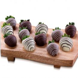 Dipped Chocolate Strawberries (full dozen)