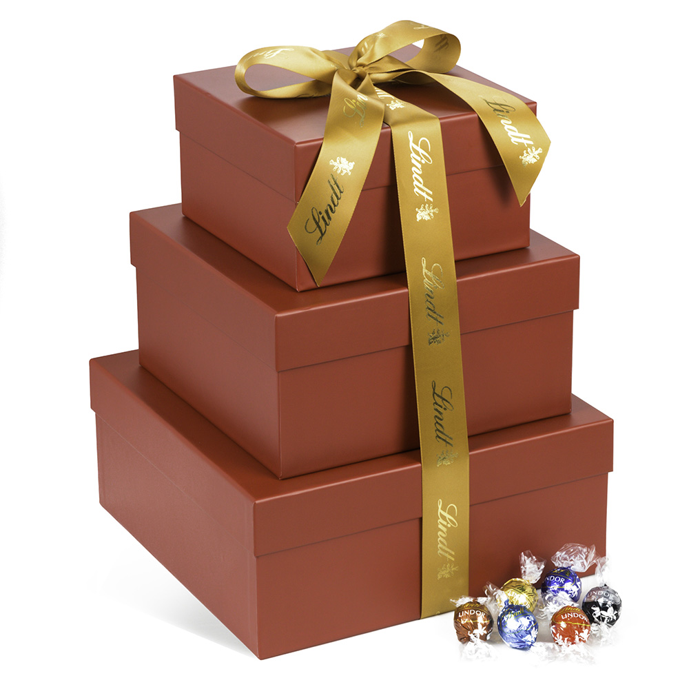 Lindt Grand LINDOR Truffles Holiday Tower - 358pc