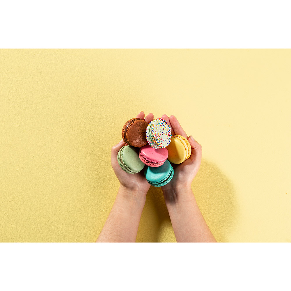 Build Your Own Woops Artisan Macaron Box - 18 pc